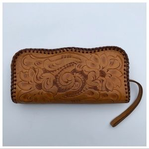 40s / 50s Tooled Floral Leather Clutch Purse